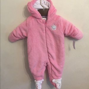 New with tags winter snowsuit for baby